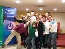 Un grupo de estudiantes que asistieron a la jornada