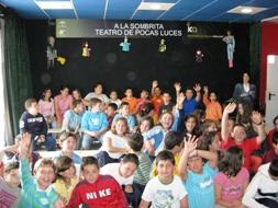 Los alumnos posan en un momento de su visita al Centro