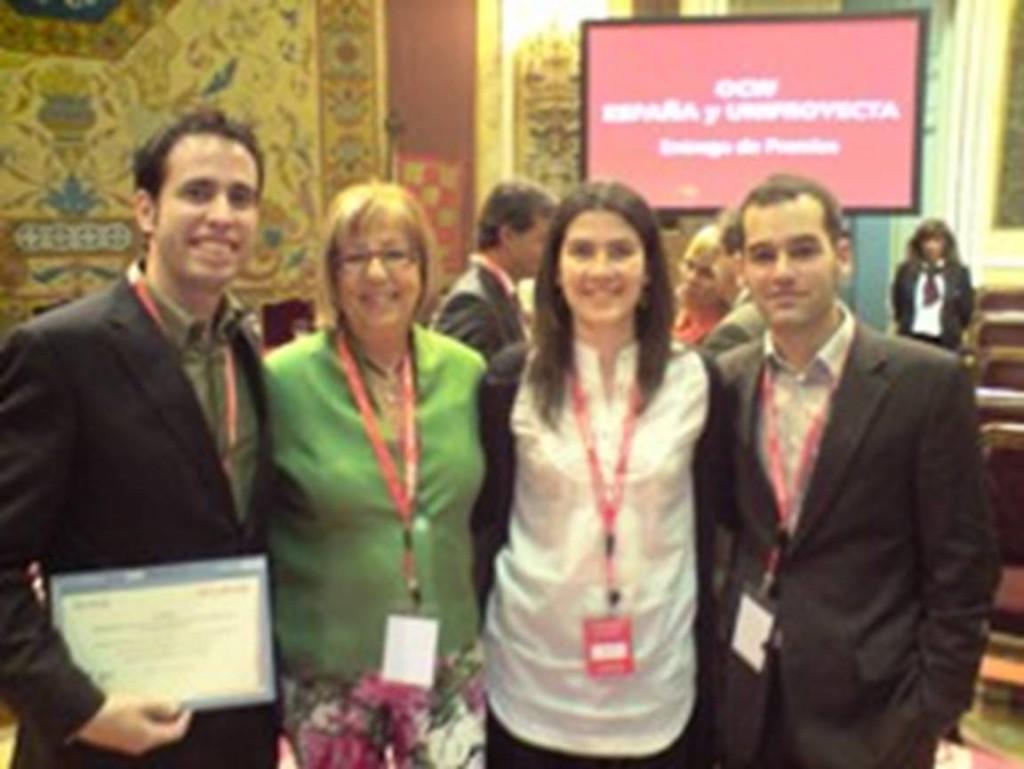 Promotores de Eneso durante la entrega de premios
