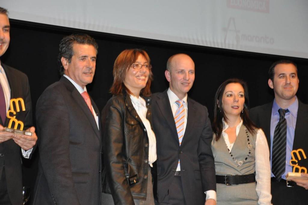 María Gámez junto a los premiados