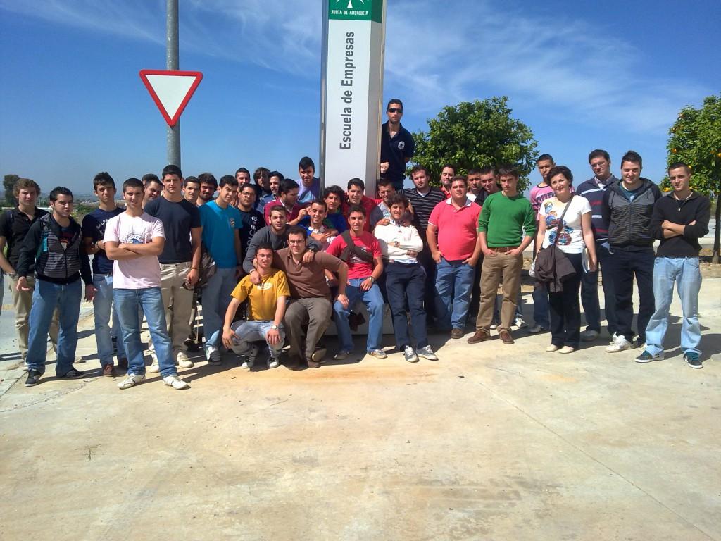 Alumnos que han visitado las instalaciones de Andalucía Emprende en el Parque Empresarial Cooperativo de La Carlota