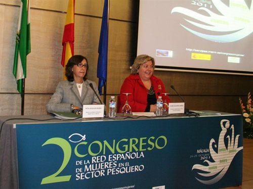 Rosa Aguilar y Clara Aguilera durante su intervención