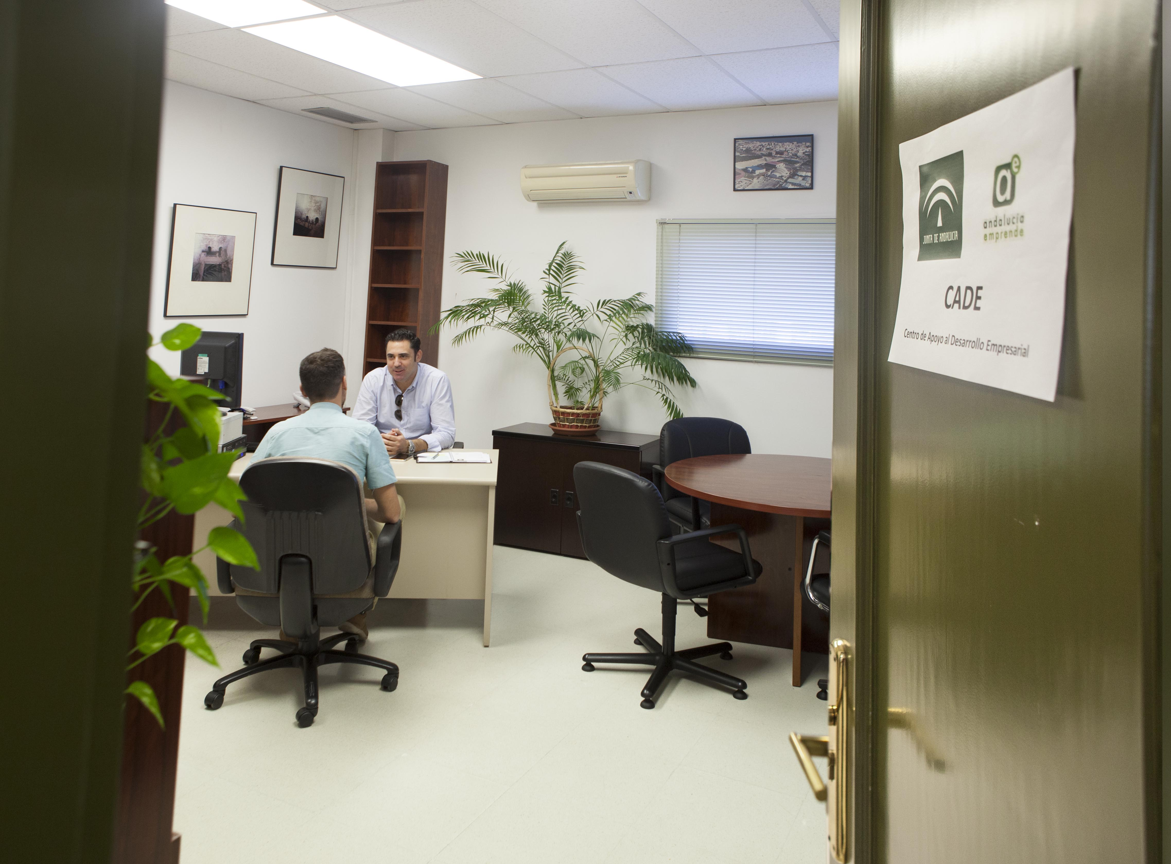 torremolinos abre un servicio de apoyo a emprendedores con
