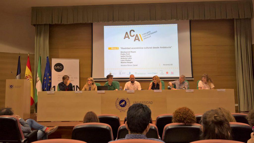 Montserrat Reyes, directora gerente de Andalucía Emprende, durante su participación en la mesa redonda
