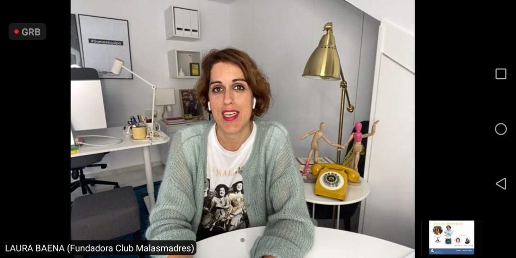 Laura Baena, fundadora del Club Malasmadres, durante la sesión